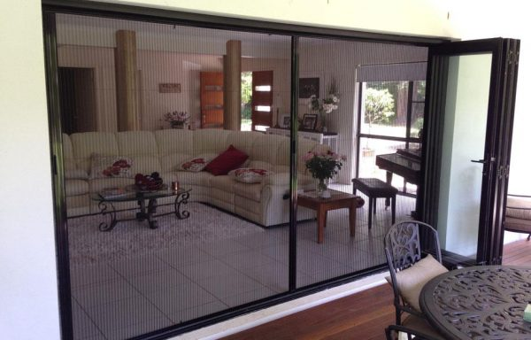 Reliable Pleated Retractable Screen